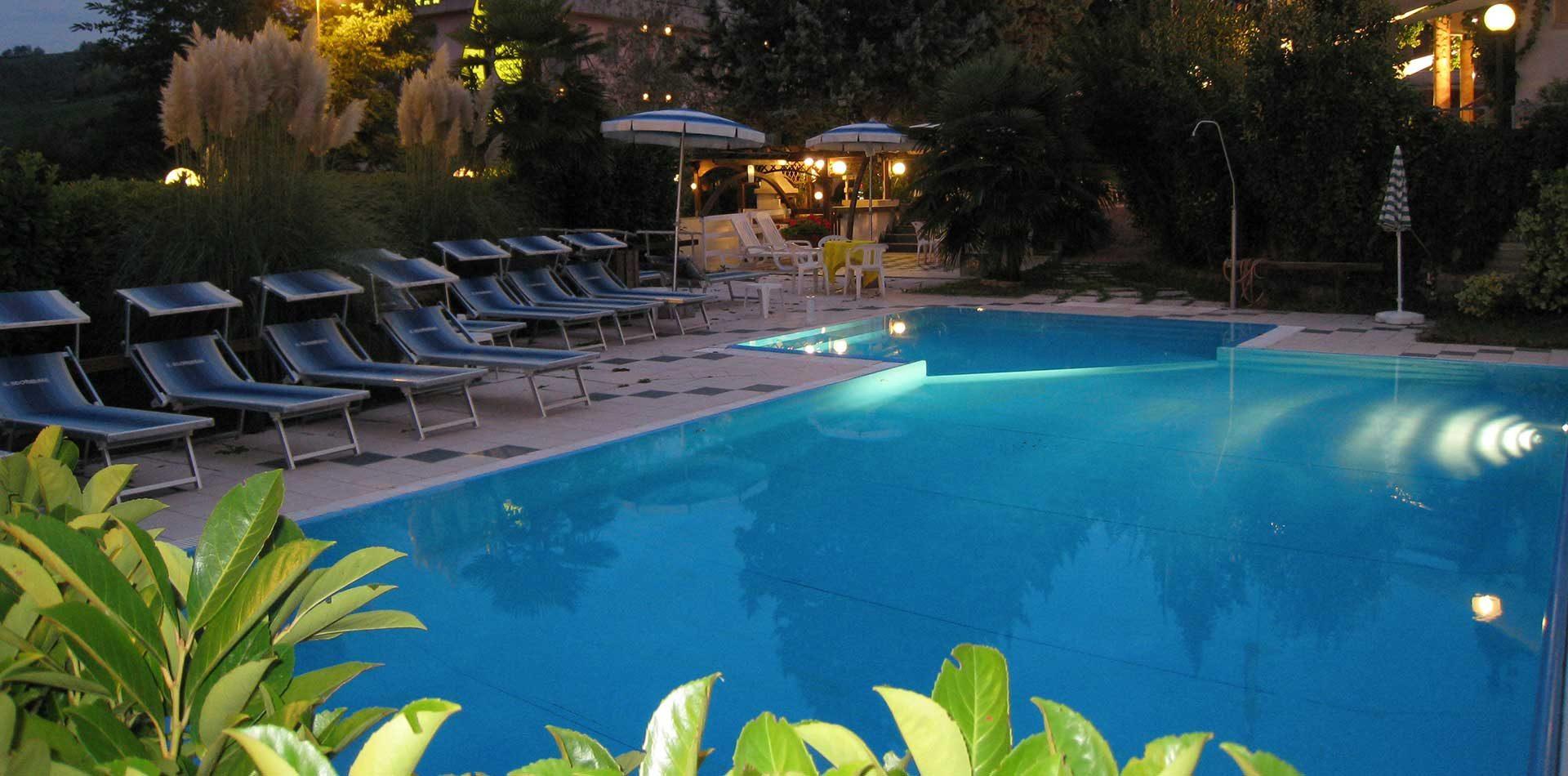 hotelboomerang-piscina